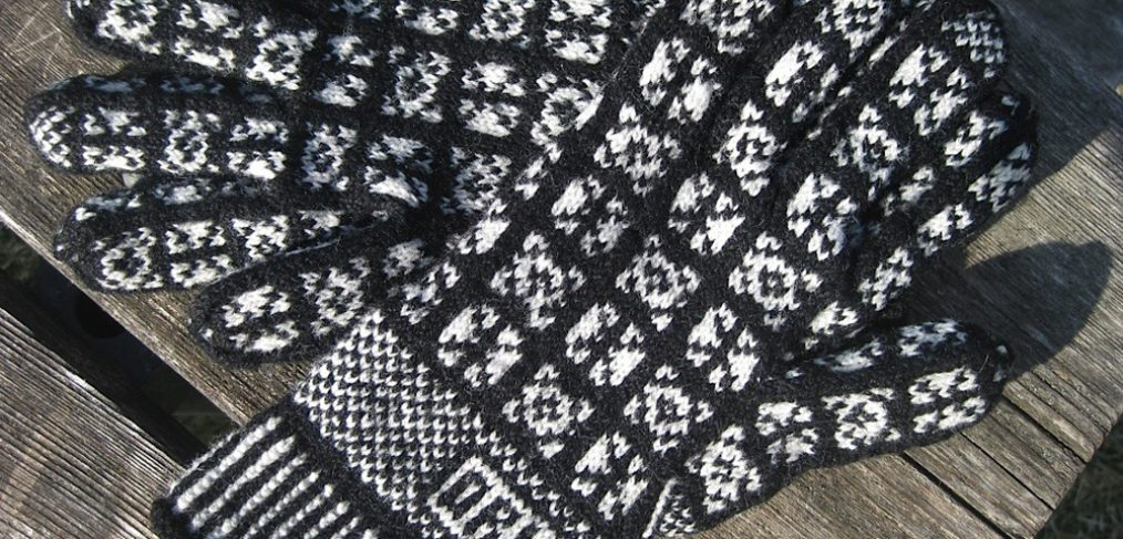 Grey and White Gloves in an original unnamed pattern using 7 × 7 stitches. Designer/Knitter: Diane Pearsall. Yarn: Unknown. (Photo: Diane Pearsall)